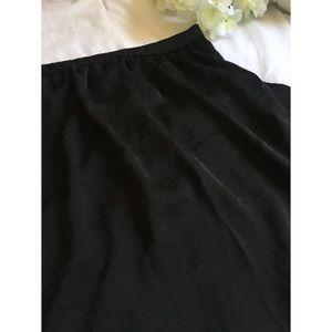Forever 21 long skirt 🖤✨